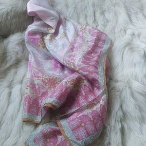 silk floral Oscar de la Renta Score